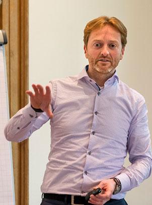 Digital Ecosystems Institute Bart de Kroes